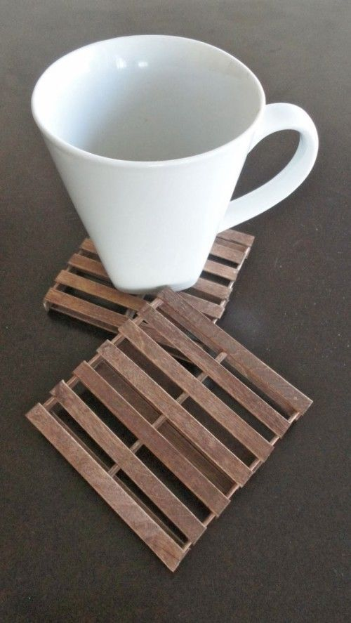 Rustic DIY Mini Pallet Coasters | Shelterness