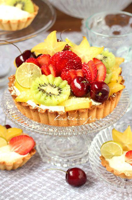 Beautiful Fruit Tart Recipe via bakeinparis.blogspot.com