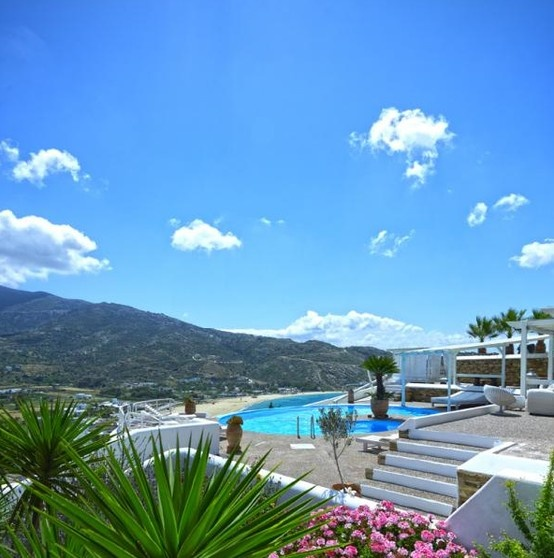 Levnates Ios luxury accommodation in style and elegance. #Ios #island #greece #pool