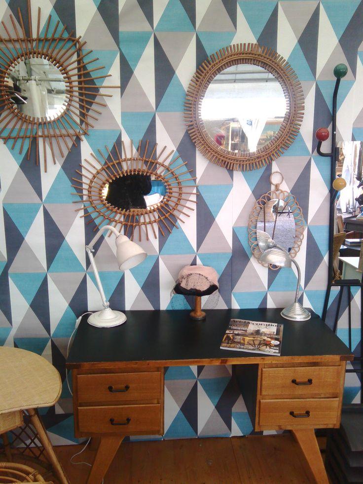stand chatou, deco vintage, miroir osier