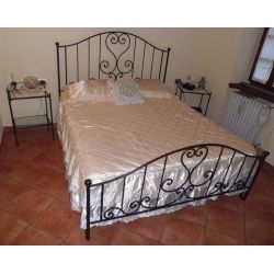 Wrought iron bed. Customize Realizations. 994