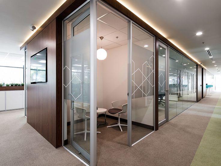 Abbvie Laboratorios     Diseño y construcción: Arquitectura e Interiores  Gerencia de proyecto: CBRE  Alfombras y sillas: Solinoff  Ciudad: Bogotá