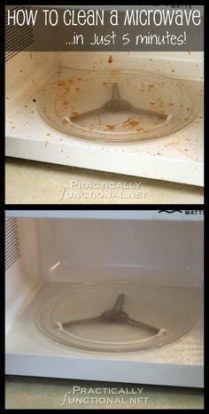 18. Porque tu amigo decidió colocar en el microondas los espaguetis sin una tapa. | 31 Maneras para limpiar tu casa a fondo