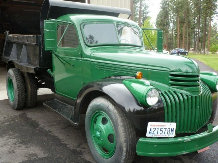 1945 Chevrolet Dump Truck