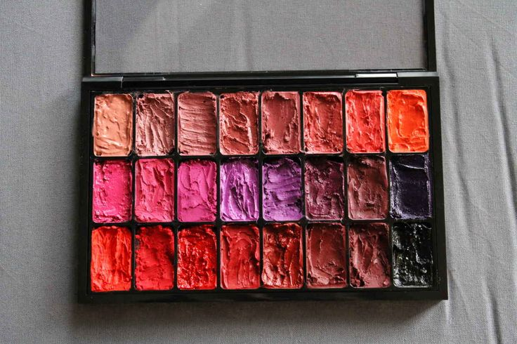 Eliminate Lipstick Waste With This DIY Lip Palette