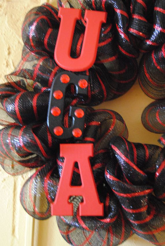 How fun!  I need to make wreaths for my girls' dorm rooms!