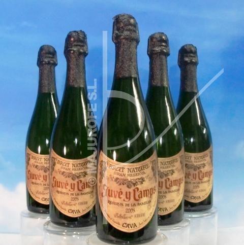 Consigue un regalo espumoso con una botella de Cava Juvé Camps Reserva.
