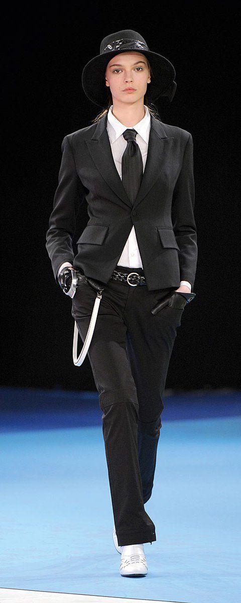 Y-3, Yohji Yamamoto Fall-winter 2009-2010 - Ready-to-Wear - http://www.orientpalms.com/y-3-yohji-yamamoto-1083