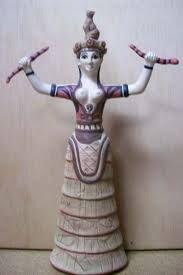 La diosa serpiente, caia en modo de falda con volantes o capas, es posible que llevara debajo aros hechos con junco, madera o metal pueda considerarse el primer tipo de marinaque