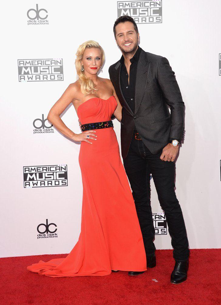 Pin for Later: Les Plus Beaux Looks des American Music Awards, C'est Par Ici Luke Bryan et Caroline Boyer