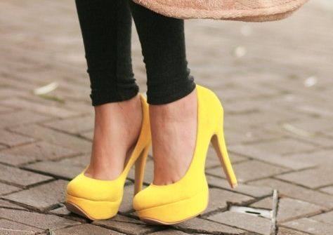 Yellow!: Yellow Pumps, Fashion Shoes, Color, Platform Pumps, Yellow Shoes, Girls Fashion, Yellow Heels, Closet, High Heels