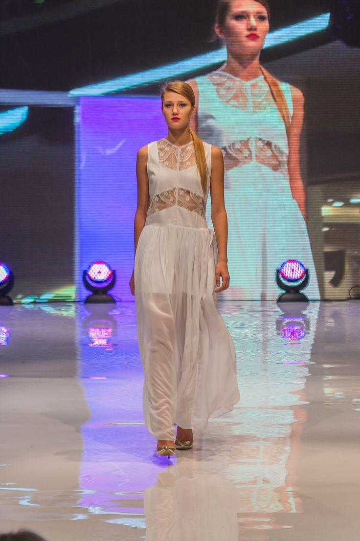 wedding dress Gabriela Hezner