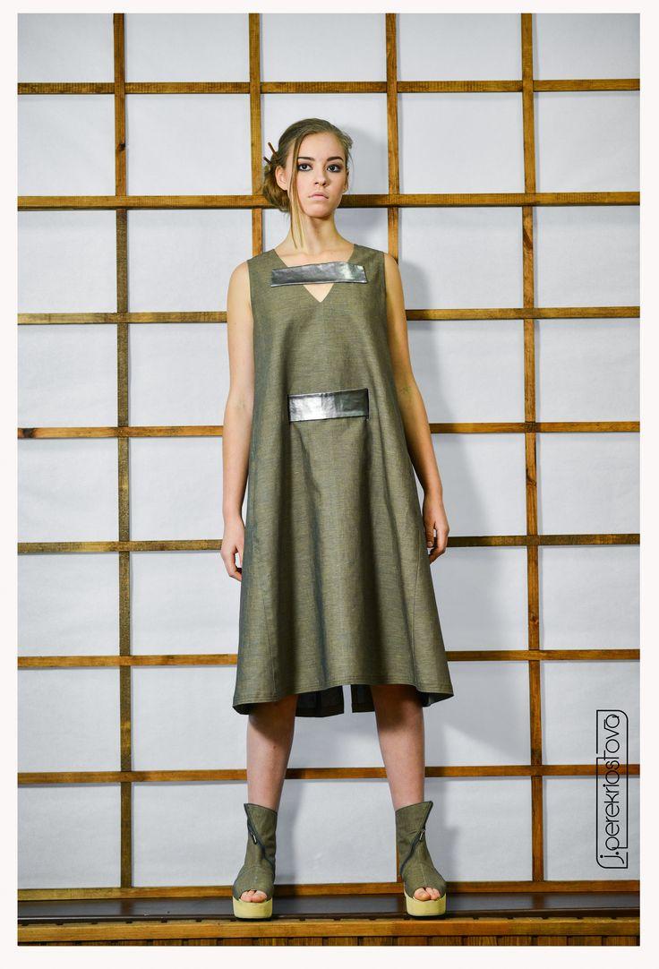 Платье цвета хаки - J.Perekriostova