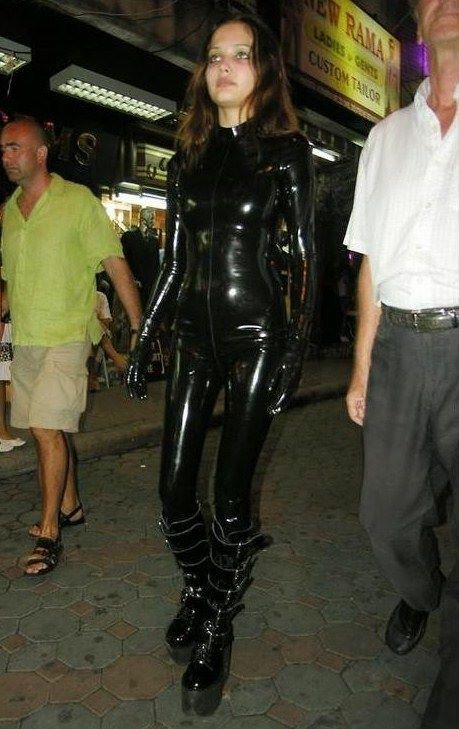 Going out in latex | Latex in Public | Pinterest | Casual ... эмма уотсон