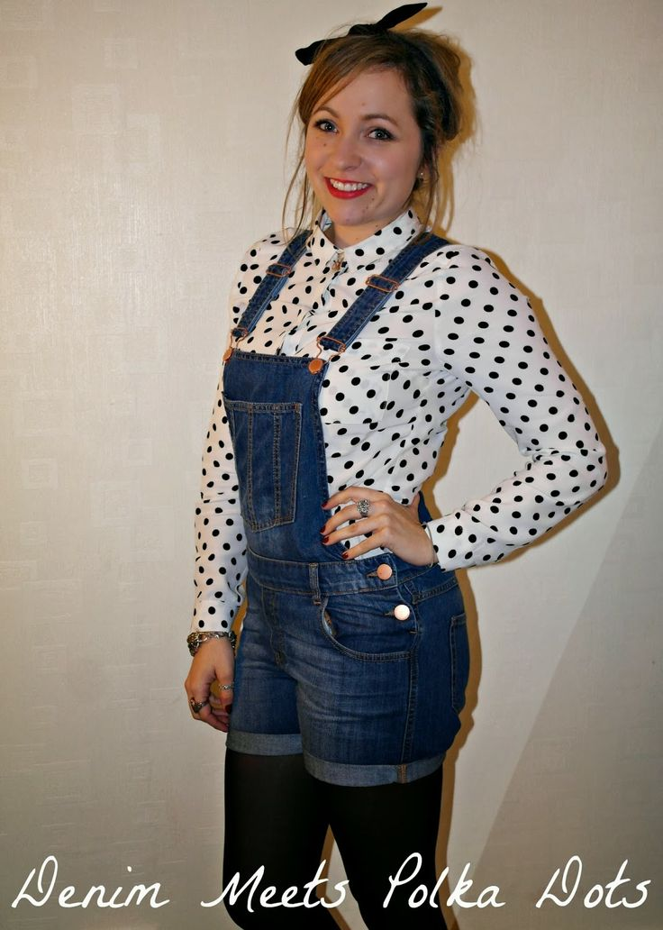 The gorgeous Annie rocking denim short dungarees with polka dot blouse. Check out her blog post here: http://www.talesofanniebean.com/2014/01/love-your-denim.html