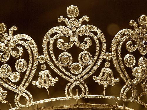 The Manchester Tiara by Swamibu, via Flickr - currently in the V&A museum. See Diamonds 1 for more pins