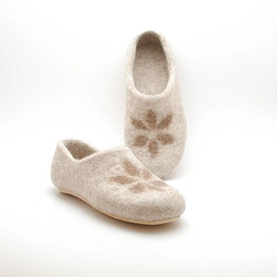 Felted wool clogs Honey - organic wool felt slippers with rubber soles - Eco-friendly shoes