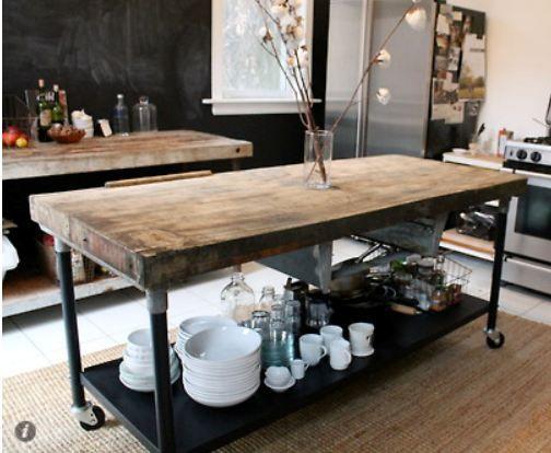 I love this #kitchen island unit. It's huge! So much storage space.