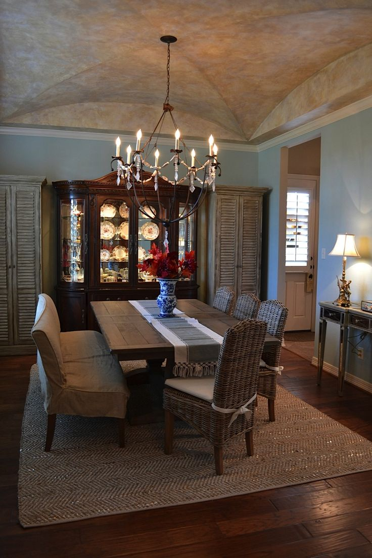 This is MY dining room featured in the blog - exciting!