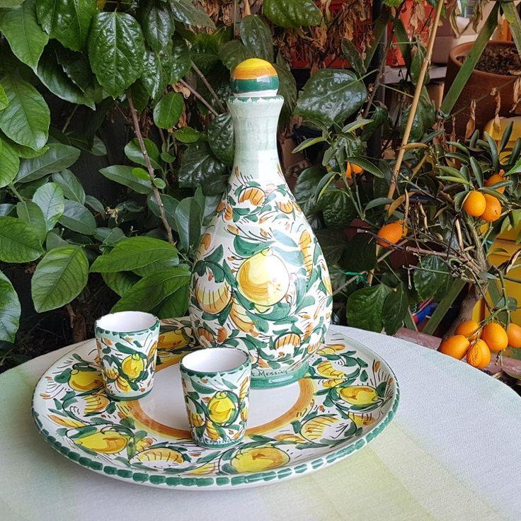 Servizio da limoncello. Tutti i servizi da me realizzati sono ideali per una tavola mediterranea,aggiungono una nota di colore alla tua tavola e alla cucina.