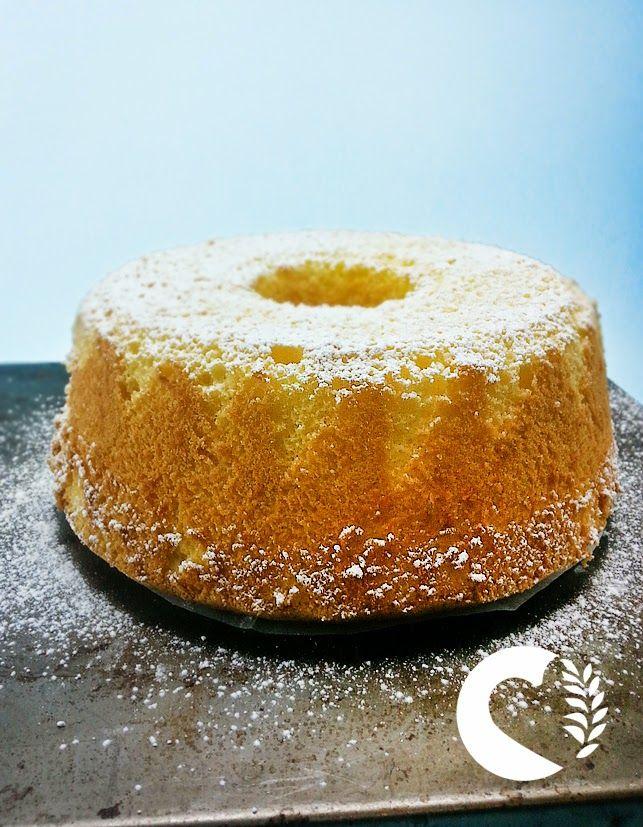 Soffice e fresca... come resistere a questo dolce delizioso? La torta fluffosa al limone in versione senza glutine vi conquisterà