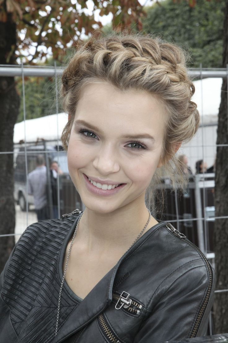 How to do this braid as seen on Josephine Skriver? | Yahoo Answers