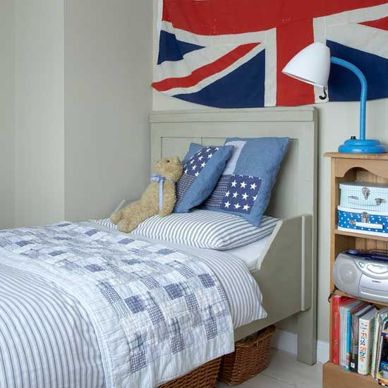 Bedroom: Boys Bedroom Ideas With Flag Decoration. flag wall decor. boys bedroom. blue reading lamp. wooden shelf. striped bedding. British themed bedroom.