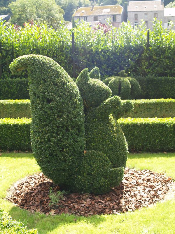 Squirrel Topiary at the Topiary Garden in Durbuy, Belgium - photo from Durbuy.be