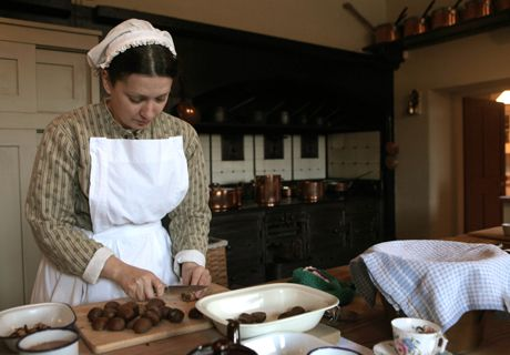 Great recipes and old english traditions for Christmas.