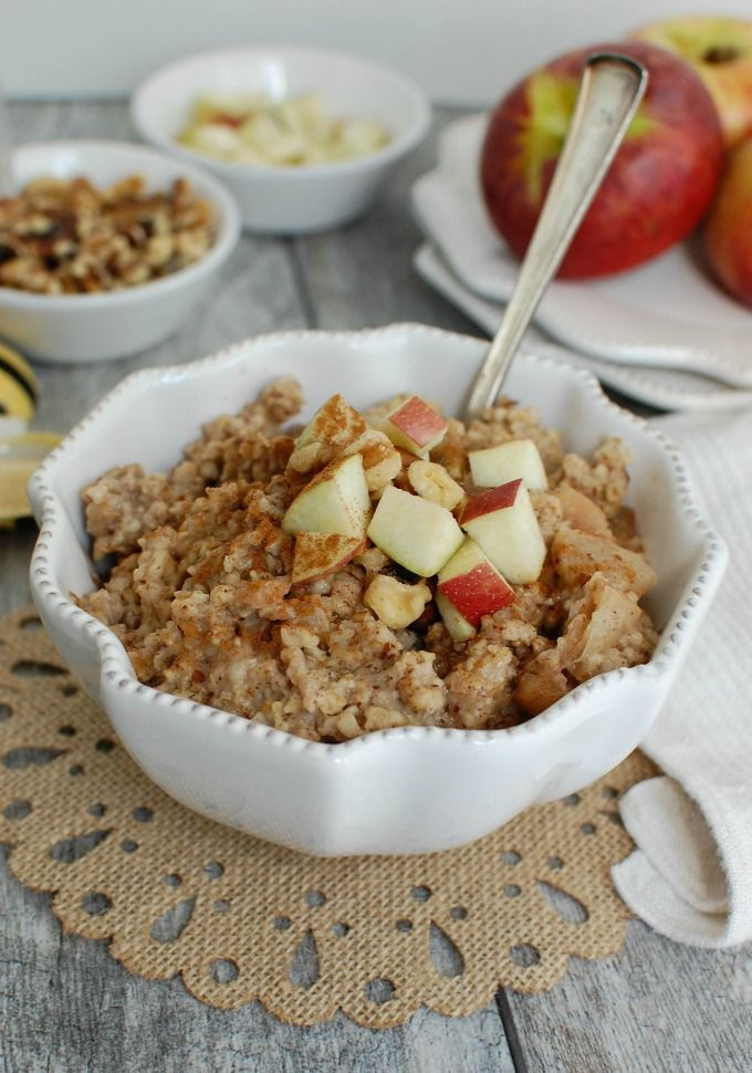 Slow Cooker Apple Steel Cut Oatmeal is an easy breakfast that cooks in the slow cooker while you sleep or go about your day. Wake up to a healthy bowl of oatmeal that reminds you of your favorite apple pie. When you are ready to eat stir in a spoons full of Tate+Lyle® Honey Granules and top with walnuts, a swirl of Greek yogurt or you other favorite toppings// A Cedar Spoon #ad #TLHoneyGranulesCG