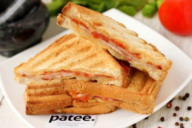 Сэндвич-гриль с ветчиной и помидорами