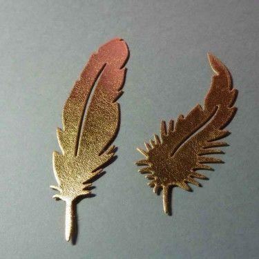Plumes en simili cuir or