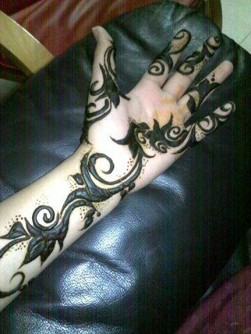 Unique Henna/Mehndi Design.. www.shumailas.com  #henna #mehndi #uniquehenna #hennatattoo