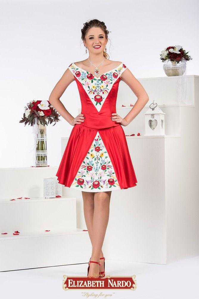 5f94edf2f9 19-110 2 részes ruha: Piros míder fehér alapon színes kalocsai hímzéssel  díszítve, ízlés szerint választható szoknyával