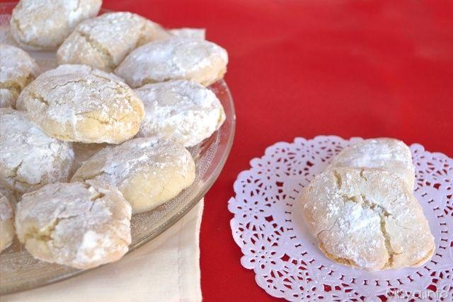 Ricciarelli, scopri la ricetta: http://www.misya.info/2013/12/10/ricciarelli.htm