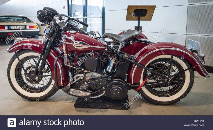 Motorcycle Harley-Davidson WLA 45 Gespann, 1944 with sidecar Simard Stock Photo, Royalty Free Image: 102590389 - Alamy