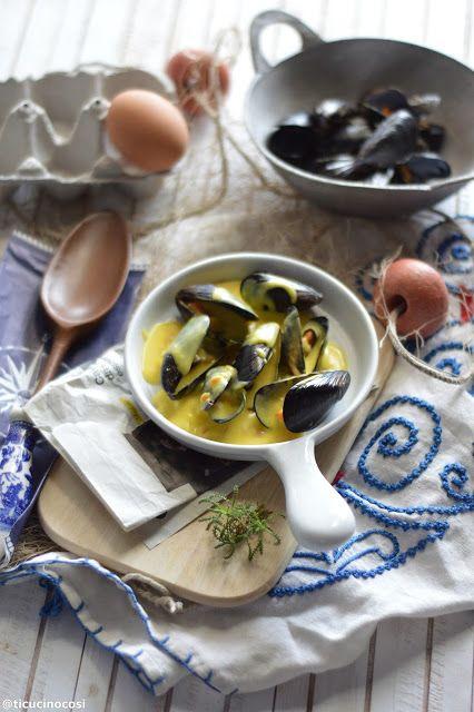 Molluschi, bollicine ed ecco che la serata si riempe di amici.  Questa ricetta è tipicamente francese, tipica della Rochelle, luogo di comm...