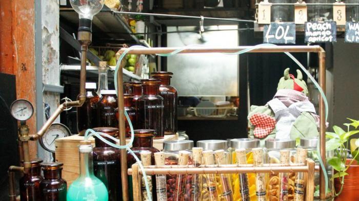 Tempat Makan Unik Jakarta - Mulai Dilayani Suster, Napi, hingga Makan Dilihat…