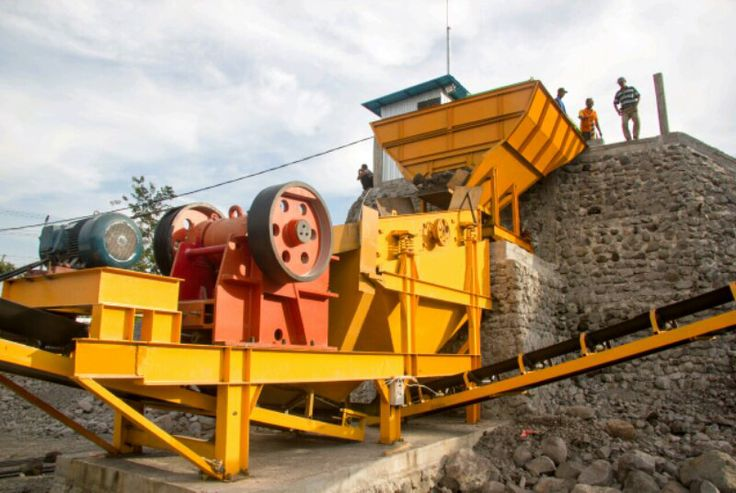 Hopper-Vibrating Screen- Crushing 1