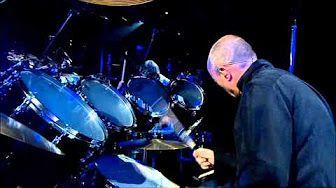Phil Collins - Solo De Batterie Live À Bercy - YouTube
