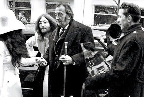 John Lennon ,Salvador Dali and Yoko in front of them. (nytimesarchives)