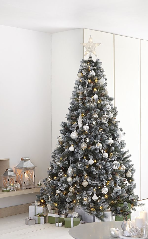 If you're dreaming of a white Christmas decorate your tree with beautiful baubles and decorations from a selection available at Homebase. Mix winter whites with sparkling silvers and hang snowflakes alongside penguins and polar bears to make your Christmas tree look magical.