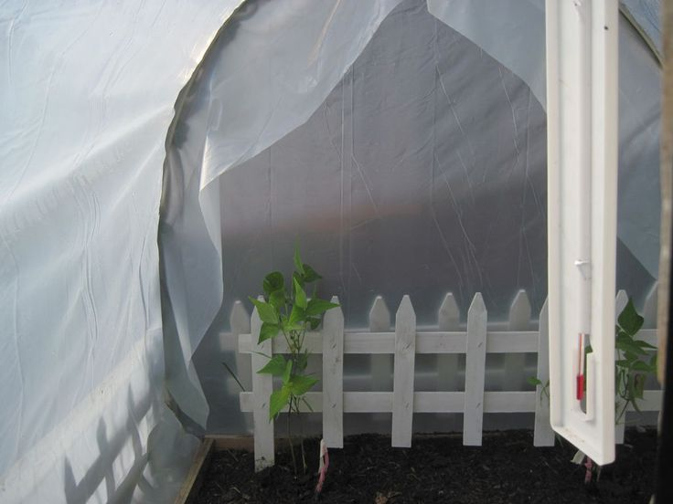 Plantduino greenhouse with a diy automated watering