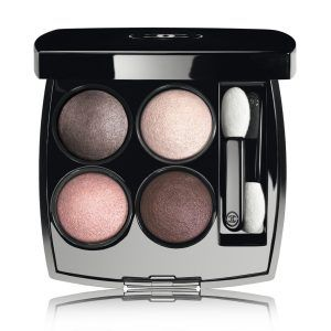 A palette of four eyeshadows that features the most advanced innovation to enhance creativity