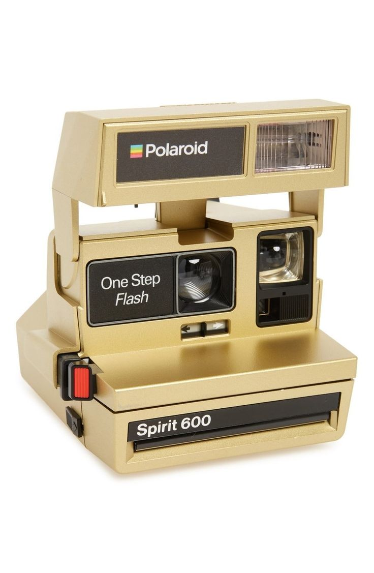 This iconic gold Polaroid 600 camera—complete with a built-in automatic flash and a fixed-focus lens—is a simple point-and-shoot that's fun, quick and easy to use.