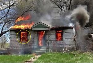 20 Best Ghost Pictures and Video of 2014: House Fire Ghost