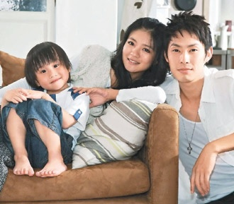Autumn's Concerto - By far my most fav drama. Even though I've rewatched it at least 4 or 5 times, I still get the feels. Love the music as well.