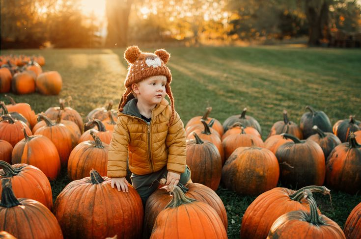 Using her Sigma lenses, Meg Loeks captures breathtaking shots of her three sons experiencing the fall season. Check out some of the fall photo tips she has!