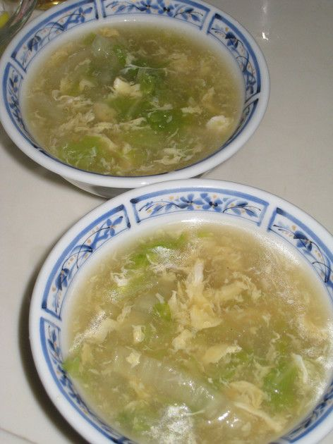 とろとろ白菜と卵の中華スープ 白菜をごま油で炒め、コトコト煮込んだシンプルスープです。 暖まりますよ~♪