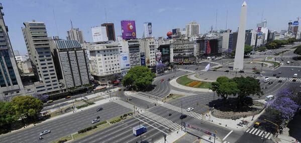 #10A Argentina paralizada por paro general http://ecuav.tv/1edHZsc  vía  pic.twitter.com/zBizEgPAZO